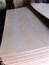 廠家直銷楊木板膠合板多層板桃花芯板可漂白