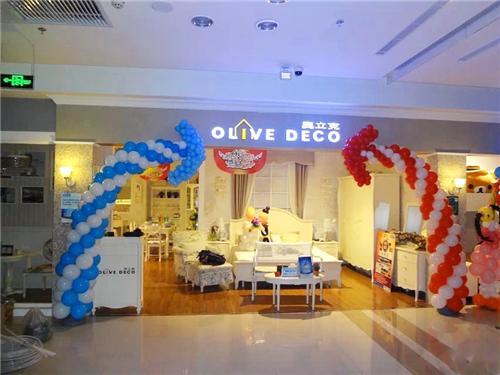 苏州节日店内如何布置气球吸引顾客