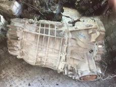 奥迪A4变速箱电脑板三元催化器等原装拆车