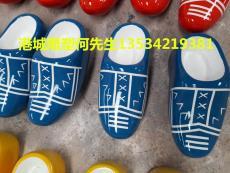 杭州户外创意艺术玻璃钢拖鞋雕塑