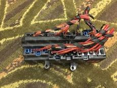 宝马730LI汽车打气泵 喷油嘴 保险丝盒等