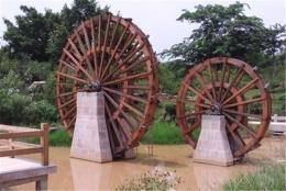 河南红日生产大型景观水车防腐木水车