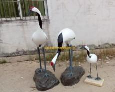 东莞碧桂园楼盘草地绿化玻璃钢仙鹤雕塑价格