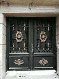 高端别墅一般在选择大门时候要注意门口的设