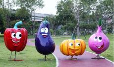 生态园入口玻璃钢卡通水果雕塑具有美观度高