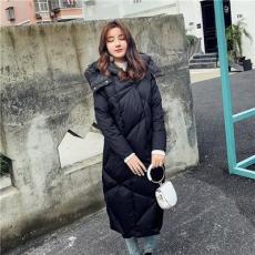 迎澤區新款連帽女士棉服折扣批發莎奴服飾女裝一手貨源