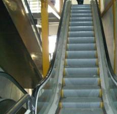 青浦电梯回收上海青浦乘客电梯回收专业拆除