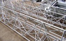 钢铁制品都需要披上锌衣防锈