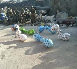 供应云南广场玻璃钢蚂蚁雕塑价格