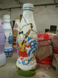 供应品牌饮料瓶子玻璃钢仿真酒瓶模型雕塑