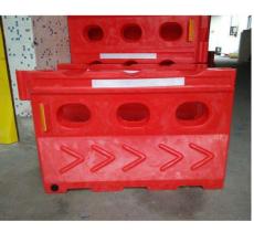 优质全新水马 滚塑三孔水马 广州亚博特塑工