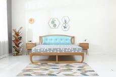 软装轻奢简约北欧靠背床刺绣背景墙手绘护墙