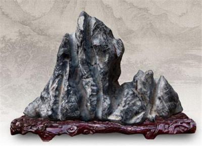 有个灵璧奇石想知道值多少钱