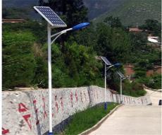 湖南太阳能路灯6米7米现货供应