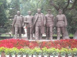 長安廣場古代歷史玻璃鋼仿銅人物雕塑定制