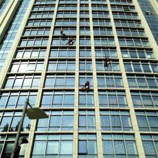 北京蜘蛛人 外墙清洗 幕墙换玻璃外墙粉刷