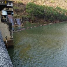 水面漂浮物隔离浮漂塑料拦污浮桶装置