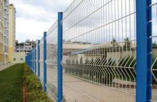 四川成都战斧站伏式浸塑护栏网围栏生产厂家