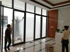 贵州毕节玻璃贴膜家庭窗户贴淋浴房包施工
