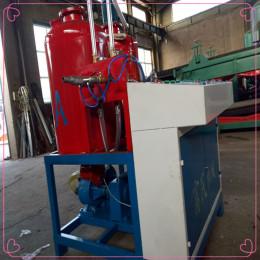 聚氨酯低压发泡机真正节能高效设备