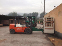 LD厂家生产砖块装车设备抱砖机