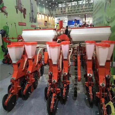 厂家直销高端玉米气吸式播种机不锈钢肥箱多