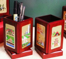 上海紅木旋轉筆筒制作臉譜筆筒廠家直銷批發