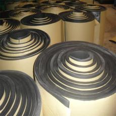 隔热保温橡塑保温棉 自粘屋顶橡塑板价格