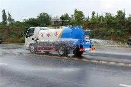 新款5噸灑水車生產廠家環衛灑水車