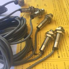 IS 118MM/4NO-8E0-M12 電感式接近開關