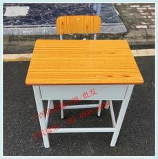 貴港課桌椅   支持定制  貴港雙人課桌椅