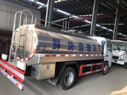 8方饮用水运输车配置