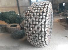 天威23.5-25轮胎规格保护链适用5?#31181;?#21387;路机