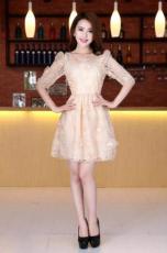 佳简衬橱打造女性新时尚 穿出不一样的自我