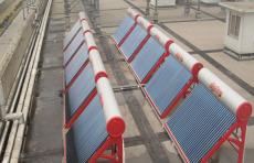 上海太陽能廠家直銷別墅用30管太陽能熱水器