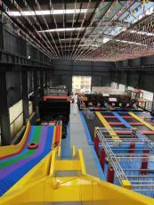 超級大蹦床成人健身房兒童樂園室內大型蹦床