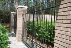天津塘沽区制作安装铁艺大门别墅围栏防护窗
