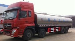 国五重汽四桥23吨鲜奶运输车