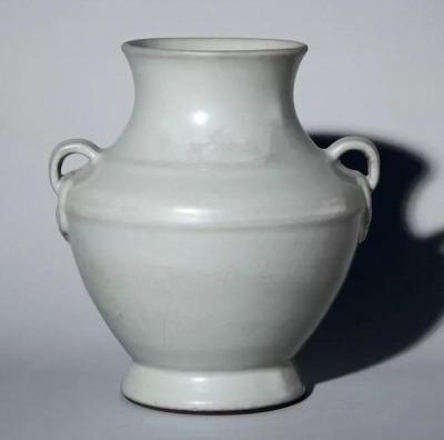 不同历史年代瓷器釉光变化