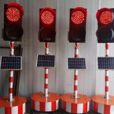 厂家直销甘肃威盾太阳能修路专用同步信号灯