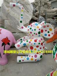 商场美陈彩绘大象动物雕塑以空间视觉形式
