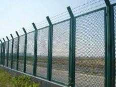 铁路护栏网是重要的交通基础设施