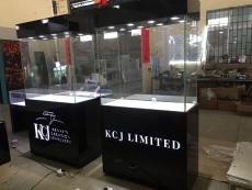 香港橱窗展示柜厂家直销珠宝展柜定制