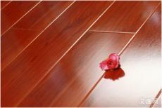 上海普陀实木地板打磨的翻新原因分析