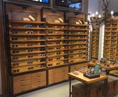 长沙眼镜展柜定做选哪家 眼镜烤漆展柜厂家