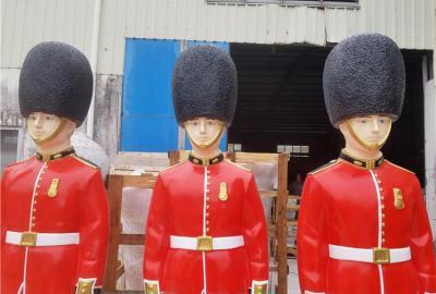 酒店門口迎賓玻璃鋼英國皇家士兵人物雕塑廠