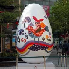 玻璃鋼雞蛋殼雕塑大型樹脂彩蛋雕像模型廠家