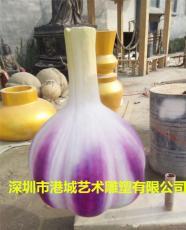 农业特色玻璃钢大蒜雕塑促使市场的拓展