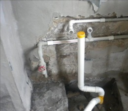 太原双塔西街修水管漏水更换各楼层反水弯