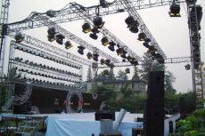 舞台搭建灯光音响桁架背景LED显示屏红地毯